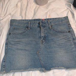UNIQLO 99% cotton jeans skirt